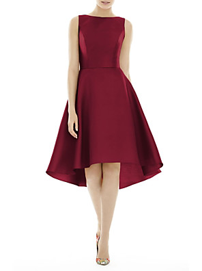 cheap Cocktail Dresses-A-Line Minimalist Red Wedding Guest Cocktail Party Dress Boat Neck Sleeveless Knee Length Satin with Pleats 2020
