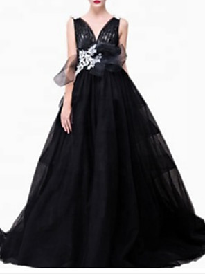 cheap Wedding Dresses-A-Line Elegant Prom Formal Evening Dress Plunging Neck Sleeveless Sweep / Brush Train Polyester with Pleats Appliques 2020