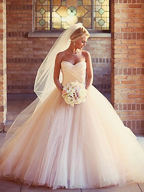 cheap Wedding Dresses-Ball Gown Wedding Dresses Strapless Court Train Tulle Strapless Formal Little White Dress with Ruched 2020