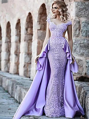 cheap Evening Dresses-A-Line Luxurious Purple Prom Formal Evening Dress V Neck Sleeveless Court Train Lace Satin with Overskirt Lace Insert Appliques 2020
