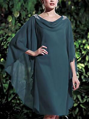 cheap Bridesmaid Dresses-Sheath / Column Mother of the Bride Dress Elegant Bateau Neck Knee Length Chiffon 3/4 Length Sleeve with Pearls 2020