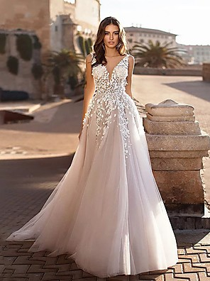 cheap Wedding Dresses-A-Line Wedding Dresses V Neck Sweep / Brush Train Lace Spaghetti Strap Country Boho with 2020