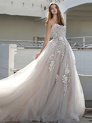 cheap Cocktail Dresses-Ball Gown Wedding Dresses Strapless Court Train Lace Tulle Strapless Sexy Plus Size with Appliques 2020