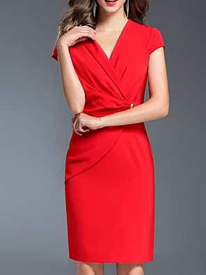 cheap Cocktail Dresses-Sheath / Column Mother of the Bride Dress Elegant V Neck Knee Length Polyester Short Sleeve with Draping 2020