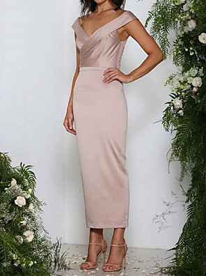 cheap Mother of the Bride Dresses-Sheath / Column Mother of the Bride Dress Elegant V Neck Ankle Length Polyester Sleeveless with Ruching 2020