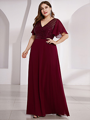 cheap Prom Dresses-Sheath / Column Mother of the Bride Dress Elegant Plus Size V Neck Floor Length Chiffon Short Sleeve with Sequin 2020