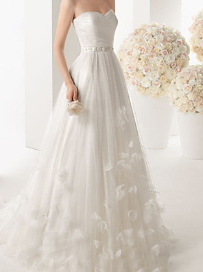 cheap Wedding Dresses-A-Line Wedding Dresses Strapless Sweep / Brush Train Lace Sleeveless Formal with Appliques 2020