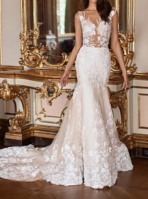 cheap Prom Dresses-Mermaid / Trumpet Wedding Dresses V Neck Court Train Lace Sleeveless Formal Plus Size with Lace Appliques 2020