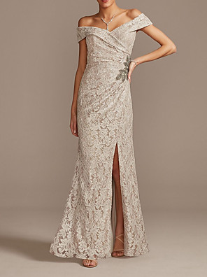 cheap Mother of the Bride Dresses-Sheath / Column Mother of the Bride Dress Sexy Off Shoulder Floor Length Lace Short Sleeve with Beading Split Front 2020