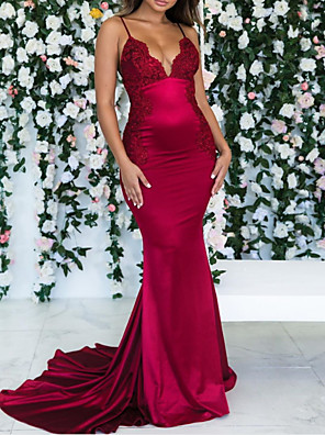 cheap Bridesmaid Dresses-Mermaid / Trumpet Spaghetti Strap / Plunging Neck Court Train Satin Bridesmaid Dress with Ruching