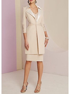 cheap Mother of the Bride Dresses-Sheath / Column Mother of the Bride Dress Elegant V Neck Knee Length Polyester Half Sleeve with Ruching 2020