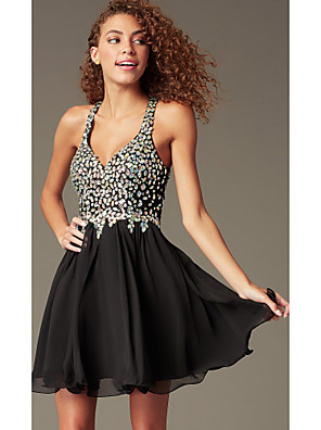 cheap Prom Dresses-A-Line Flirty Sparkle Homecoming Cocktail Party Dress V Neck Sleeveless Short / Mini Chiffon with Pleats Crystals 2020