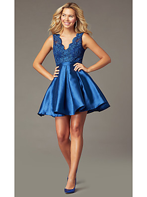 cheap Cocktail Dresses-A-Line Beautiful Back Flirty Homecoming Cocktail Party Dress Scalloped Neckline Sleeveless Short / Mini Satin with Pleats Appliques 2020