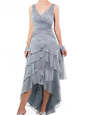 cheap Mother of the Bride Dresses-A-Line Mother of the Bride Dress Sexy V Neck Asymmetrical Polyester Sleeveless with Tier 2020