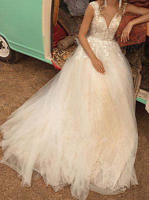 cheap Wedding Dresses-A-Line Wedding Dresses V Neck Sweep / Brush Train Lace Tulle Jersey Sleeveless Country Plus Size with Lace Crystals Appliques 2020