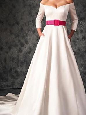 baratos Vestidos de Casamento-Linha A Vestidos de noiva Ombro a Ombro Cauda Escova Cetim Manga 3/4 Rústico Tamanhos Grandes com Fitas e Laços 2020