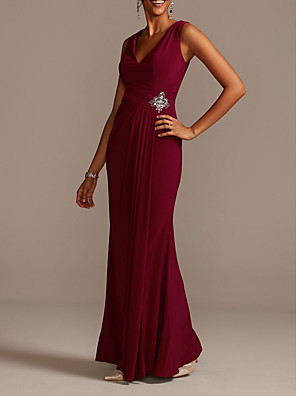 cheap Prom Dresses-Sheath / Column Mother of the Bride Dress Sexy V Neck Floor Length Stretch Satin Sleeveless with Pleats Beading Sequin 2020