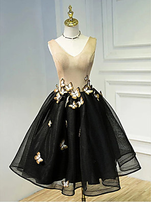 cheap Cocktail Dresses-Ball Gown Color Block Black Homecoming Cocktail Party Dress V Neck Sleeveless Knee Length Tulle with Appliques 2020