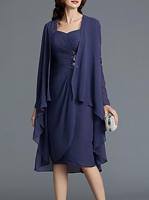 cheap Mother of the Bride Dresses-Sheath / Column Mother of the Bride Dress Sexy Scoop Neck Knee Length Chiffon Long Sleeve with Beading Draping 2020