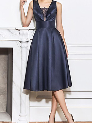 cheap Cocktail Dresses-A-Line Elegant Blue Homecoming Cocktail Party Dress Scoop Neck Sleeveless Knee Length Satin with Lace Insert 2020