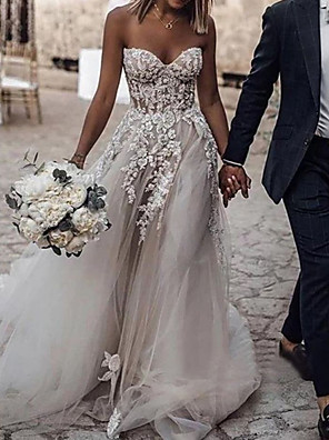 cheap Wedding Dresses-A-Line Wedding Dresses Strapless Sweep / Brush Train Lace Tulle Sleeveless Sexy with Embroidery Appliques 2020