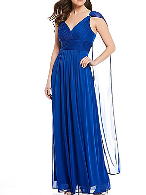 cheap Mother of the Bride Dresses-A-Line Mother of the Bride Dress Elegant V Neck Floor Length Chiffon Sleeveless with Pleats Ruching 2020