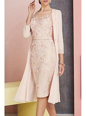 cheap Mother of the Bride Dresses-Sheath / Column Mother of the Bride Dress Elegant Vintage Plus Size Bateau Neck Knee Length Chiffon Lace 3/4 Length Sleeve with Appliques 2020 / See Through Mother of the groom dresses