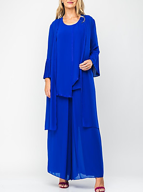 cheap Mother of the Bride Dresses-Sheath / Column Mother of the Bride Dress Elegant Jewel Neck Floor Length Chiffon Long Sleeve with Pleats 2020
