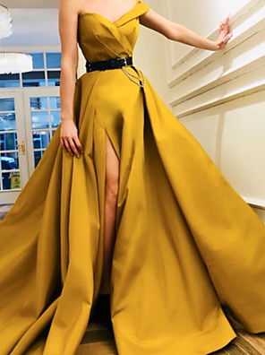 cheap Evening Dresses-A-Line Luxurious Minimalist Engagement Formal Evening Dress Sweetheart Neckline Sleeveless Court Train Satin with Pleats Split 2020