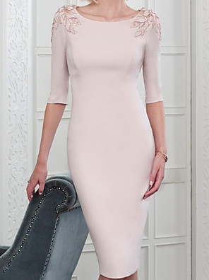 cheap Mother of the Bride Dresses-Sheath / Column Mother of the Bride Dress Elegant Jewel Neck Knee Length Stretch Satin Half Sleeve with Appliques 2020