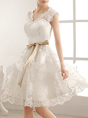 cheap Prom Dresses-A-Line Wedding Dresses V Neck Knee Length Lace Sleeveless Vintage Little White Dress 1950s with Bow(s) 2020