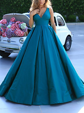 cheap Evening Dresses-Ball Gown Elegant Minimalist Quinceanera Prom Dress V Neck Sleeveless Sweep / Brush Train Satin with Pleats 2020