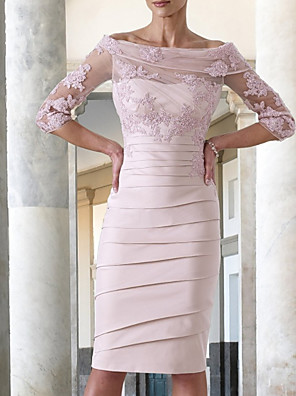 cheap Mother of the Bride Dresses-Sheath / Column Mother of the Bride Dress Elegant Jewel Neck Knee Length Taffeta Half Sleeve with Appliques Ruching 2020