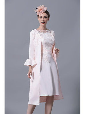cheap Wedding Wraps-Sheath / Column Mother of the Bride Dress Elegant Plus Size Jewel Neck Knee Length Polyester Short Sleeve with Lace 2020 Mother of the groom dresses
