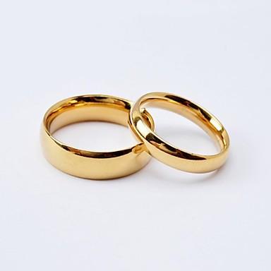 preiswerte Eheringe-Damen Eheringe Bandring Schwarz Golden Titanstahl vergoldet Kreisförmig damas Einfach Simple Style Hochzeit Jahrestag Schmuck Klassisch Liebe Freundschaft