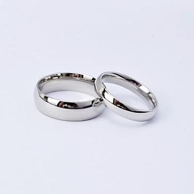 preiswerte Eheringe-Paar Eheringe Silber König Königin Titanstahl Kreisförmig damas Einfach Alltäglich Hochzeit Alltag Schmuck Klassicher Stil Freundschaft