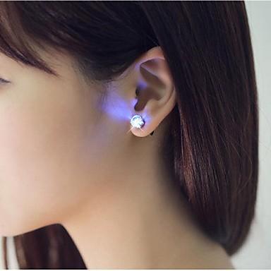 preiswerte Deko-Lichter-2pcs LED Ohrring leuchtet Krone leuchtenden Kristall Edelstahl Ohr Drop Ohr Ohrstecker Schmuck