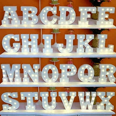 preiswerte Home&Living-LED Brief Lichter Zeichen 26 Buchstaben Alphabet leuchten Buchstaben Zeichen für Nachtlicht Hochzeit Geburtstagsparty batteriebetriebene Weihnachtslampe Home Bar Dekoration