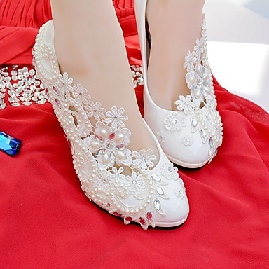 Γυναικεία Γαμήλια παπούτσια Στρογγυλή Μύτη Τεχνητό διαμάντι / Απομίμηση Πέρλας / Διακοσμητικά Επιράμματα Δαντέλα / Δερματίνη Ανατομικό Άνοιξη / Φθινόπωρο Λευκό / Γάμου / Πάρτι & Βραδινή Έξοδος / EU41