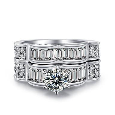 levne Dámské šperky-Dámské Band Ring Mikro Pave Ring Kubický zirkon High End Crystal 2 Stříbrná Zirkon Stříbrná Circle Shape Geometric Shape Klasické Vintage Módní Svatební Denní Šperky HALO Vlna