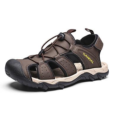 สำหรับผู้ชาย รองเท้าสบาย ๆ PU ฤดูร้อน รองเท้าแตะ สีดำ / สีน้ำตาล / กลางแจ้ง