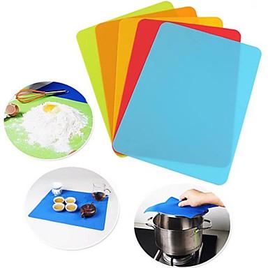 preiswerte Utensilien fürs Backen & Feingebäck-30 * 40 cm silikon pad matte gebäck backformen matte küche antihaft tischset bahn geschirr teller trocknen matte hitzebeständig zufällige farbe