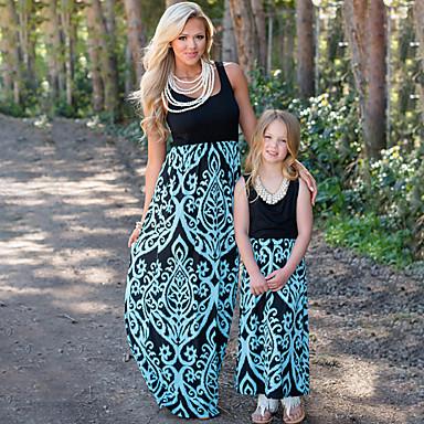 billige Familie-tøjsæt-Mommy og mig Sød Boheme Blomstret Farveblok Trykt mønster Uden ærmer Maxi Kjole Blå