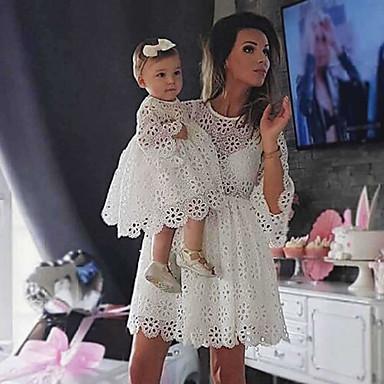 billige Familie-tøjsæt-Mommy og mig Vintage Sød Ensfarvet Blonder Udskæring Halvlange ærmer Knælang Kjole Hvid