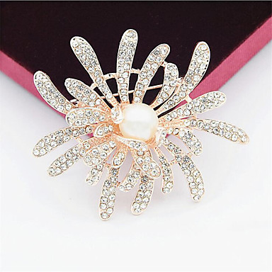 cheap Brooches-Cubic Zirconia Brooches Hollow Out Flower Fashion 18K Gold Plated Imitation Pearl Imitation Diamond Brooch Jewelry Gold Silver For Gift Festival