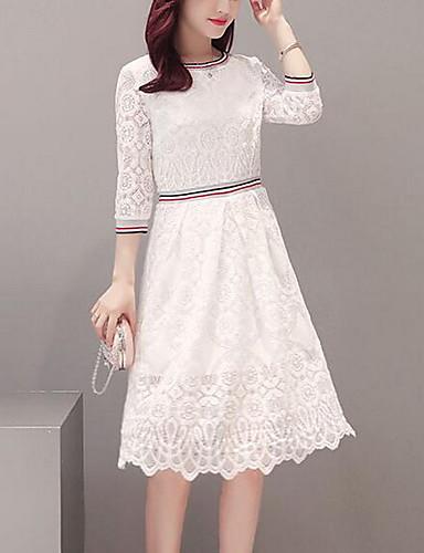 vit knälång klänning