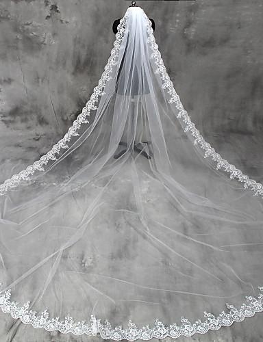 preiswerte Party Zubehör-Einschichtig Spitzen-Saum Hochzeitsschleier Kathedralen Schleier mit Applikationen Tüll