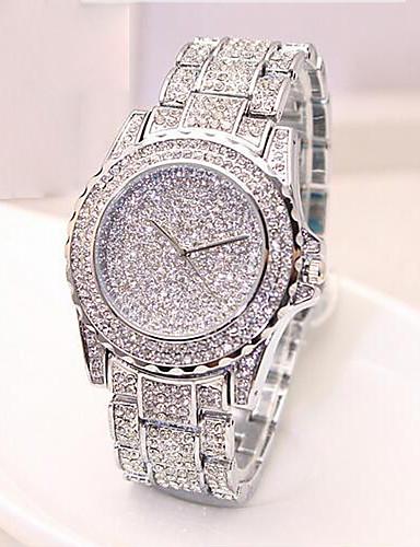 สำหรับผู้หญิง นาฬิกาหรู นาฬิกาแฟชั่น Pave Watch ญี่ปุ่น นาฬิกาอิเล็กทรอนิกส์ (Quartz) ทอง / Rose Gold 30 m นาฬิกาใส่ลำลอง ระบบอนาล็อก สุภาพสตรี ความหรูหรา - สีทอง สีเงิน Rose Gold / สองปี / สองปี