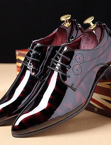 billige Shoes & Bags Must-have-Herre Skrive ut Oxfords Lakklær Høst / Vinter Oxfords Svart / Burgunder / Marineblå / Fest / aften / Snøring / Fest / aften / Komfort Sko / EU40
