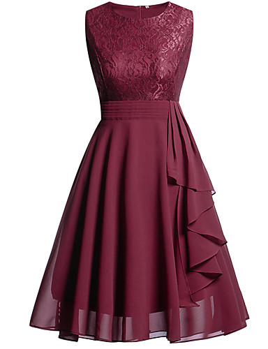 cheap Cocktail Dresses-A-Line Hot Red Holiday Homecoming Dress Jewel Neck Sleeveless Knee Length Chiffon Lace with Draping Lace Insert 2020